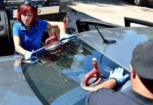 выездной ремонт и замена автостекла